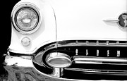 Autos Drawings - Oldsmobile Starfire 1954 by David M Davis