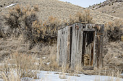 Ghost Town Outhouse Prints - Outhouse with Horseshoe Print by Sue Smith