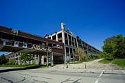 Steven Dunn - Packard Plant Crmbling