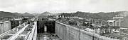 Photo Researchers - Panama Canal Construction 1910