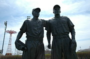 Mvp Prints - Pee Wee Reese and Jackie Robinson Print by Susan Carella