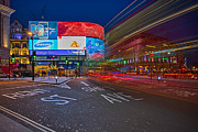 Pete Reynolds Metal Prints - Piccadilly Circus Metal Print by Pete Reynolds