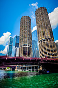 Two Towers Posters - Picture of Chicago Marina City Corncob Buildings Poster by Paul Velgos