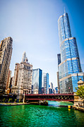 United Airlines Prints - Picture of Downtown Chicago with Trump Tower Print by Paul Velgos