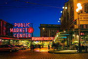Streetlight Photo Framed Prints - Pike Place Market Framed Print by Inge Johnsson