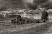 Pioneer Barn D9369 Print by Wes and Dotty Weber