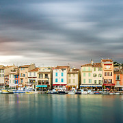 Photografie Prints - Port of Cassis Print by Tony Buchwald
