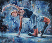 Ballet Dancers Painting Framed Prints - Posing Framed Print by Osi