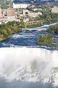 Patricia Hofmeester - Powerful Bridal veil Falls with Niagara