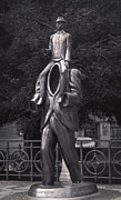 Gregory Dyer - Prague - Kafka Statue