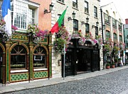 Pubs Prints - Pubs In Dublin Print by Mel Steinhauer