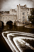 Pulteney Bridge Framed Prints - Pulteney Weir Bath Framed Print by Mark Llewellyn
