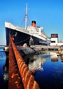 Queen Photos - Queen Mary 2 by Benjamin Yeager