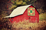 Kelly Nowak - Quilted Red Barn