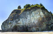 Oregon Art - Rainbow Rock by Loree Johnson