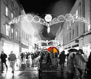 Phil Paynter - Rainy Christmas Street