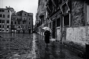 Rainy Day In Venice Print by Olia Saunders