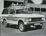 Police Car Paintings - Range Rover Cop Car by Sid Fox