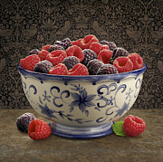 Blackberries Art - Raspberry Still life by Danny Smythe