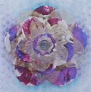 Marcella Nordbeck - Recycled Flower 6