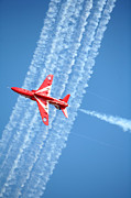 Lowestoft Framed Prints - Red Arrows at Lowestoft Framed Print by Paul Cowan