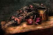 Hugo Bussen - Red onions and copper