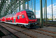 Bahn Prints - Red train on bridge Print by Hans Engbers