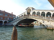 Adrienne Lattuca Metal Prints - Rialto Bridge Metal Print by Adrienne Lattuca