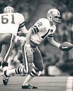 Nfl Prints - Roger Staubach passing the ball Print by Sanely Great