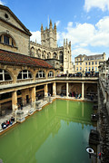 Roman Archaeology Prints - Roman bath and Bath Abbey Print by Paul Cowan
