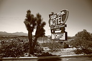 Black Top Posters - Route 66 - Hill Top Motel Poster by Frank Romeo