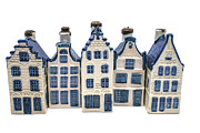 Patricia Hofmeester - Row of Delft blue houses