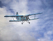 Antonov Framed Prints - Russan Antonov An-2 Framed Print by Roy McPeak