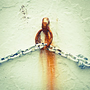 Heavy Metal  Photos - Rusty chain by Tom Gowanlock