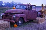 Garry Gay - Rusty Truck With Pumpkins