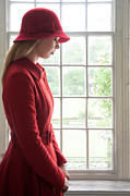 Lee Avison - Sad Woman In A Red Hat...
