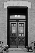 Red Doors Photos - Sedgwick Street Old Town Chicago by Christine Till
