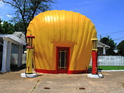 Americana - Shell Shaped Gas Station by Frank Romeo