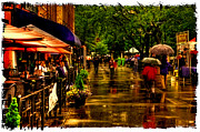 Shoppers Prints - Shopping in the Rain - Market Square Knoxville Tennessee Print by David Patterson