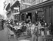Outdoor Cafes Metal Prints - Sidwalk Cafe In Madrid Metal Print by Underwood Archives