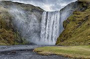 Roni Chastain - Skogafoss Waterfall