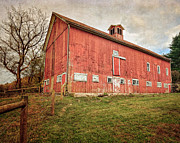 Red Barn. New England Framed Prints - Smyrski Farm  Framed Print by Bill  Wakeley
