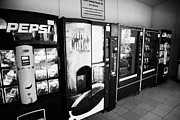 Vending Machine Photo Framed Prints - Snack And Drink Vending Machine Concession At An Interstate Highway Rest Stop Florida Usa Framed Print by Joe Fox