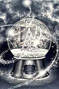 Snow Ball Print by Mo T