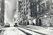 Vivienne Gucwa - Snow - New York City -...