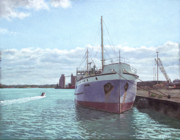 Historic Ship Painting Prints - Southampton docks SS Shieldhall ship Print by Martin Davey