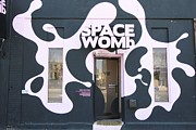 Allen Beatty Posters - Space Womb  Poster by Allen Beatty