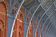 Julian Elliott - St Pancras in London