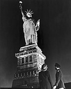 World Events Prints - Statue Of Liberty On V-E Day Print by Underwood Archives