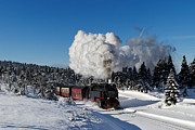 Brocken Prints - Steam train to the winterly Brocken mountain Print by Christian Spiller